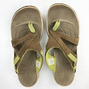 Merrell Azura Flip Sandal  NWOT - Size 11